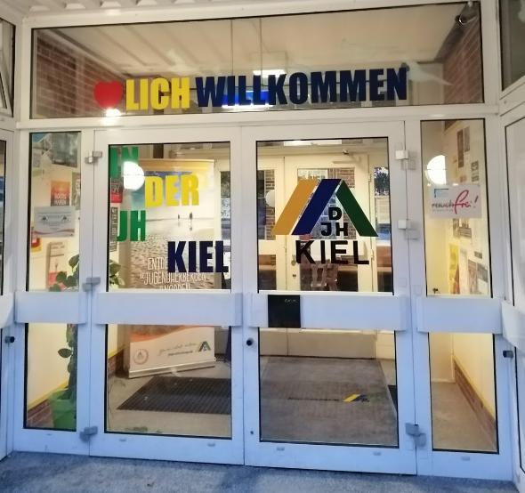 DJH Kiel, Foto von der Webseite, Eingangstür