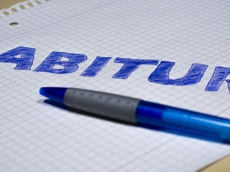 Zettel und Stift